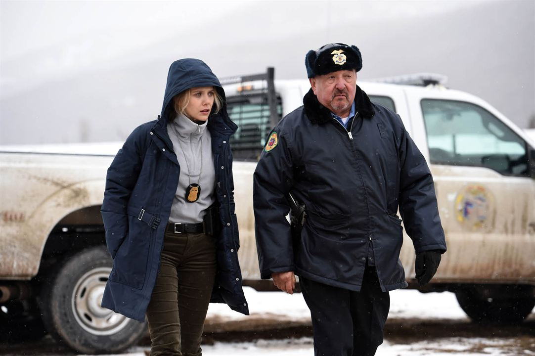 Wind River : Photo Elizabeth Olsen, Graham Greene (II)