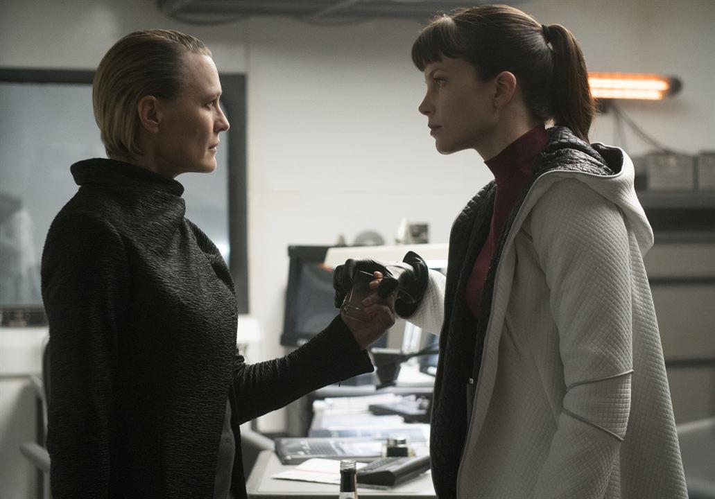 Blade Runner 2049 : Photo Robin Wright, Sylvia Hoeks