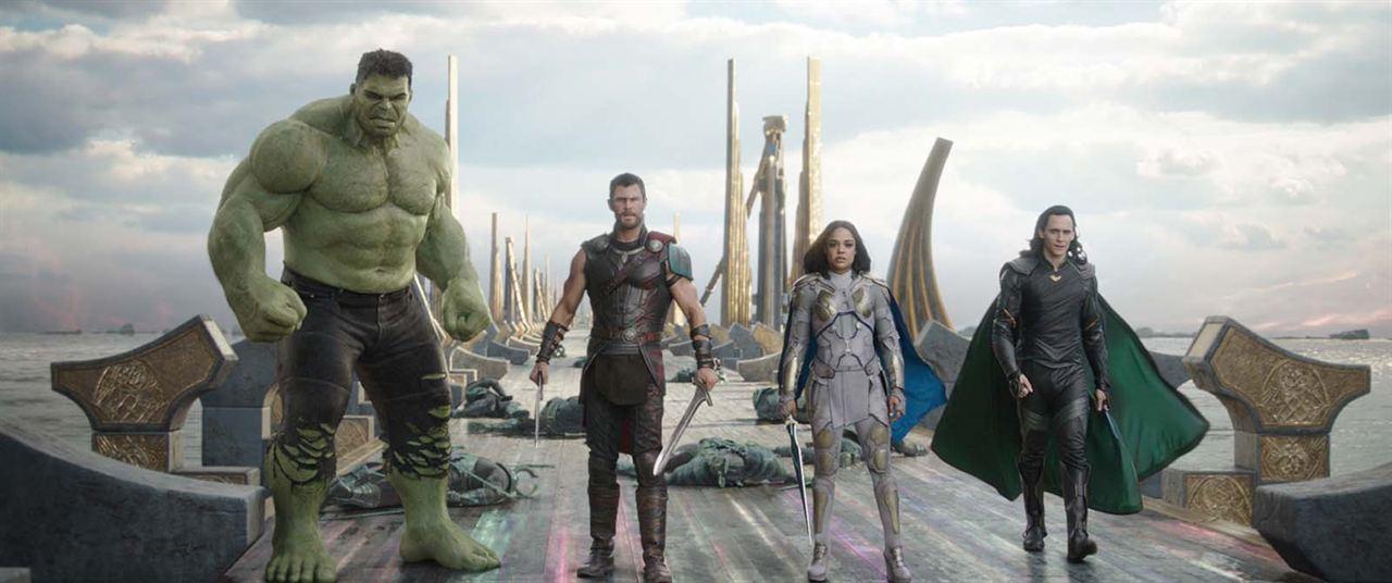 Thor : Ragnarok : Photo Chris Hemsworth, Tessa Thompson, Tom Hiddleston