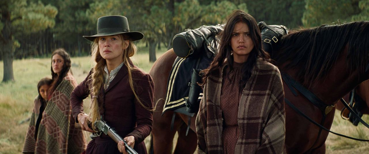 Hostiles : Photo Rosamund Pike, Tanaya Beatty