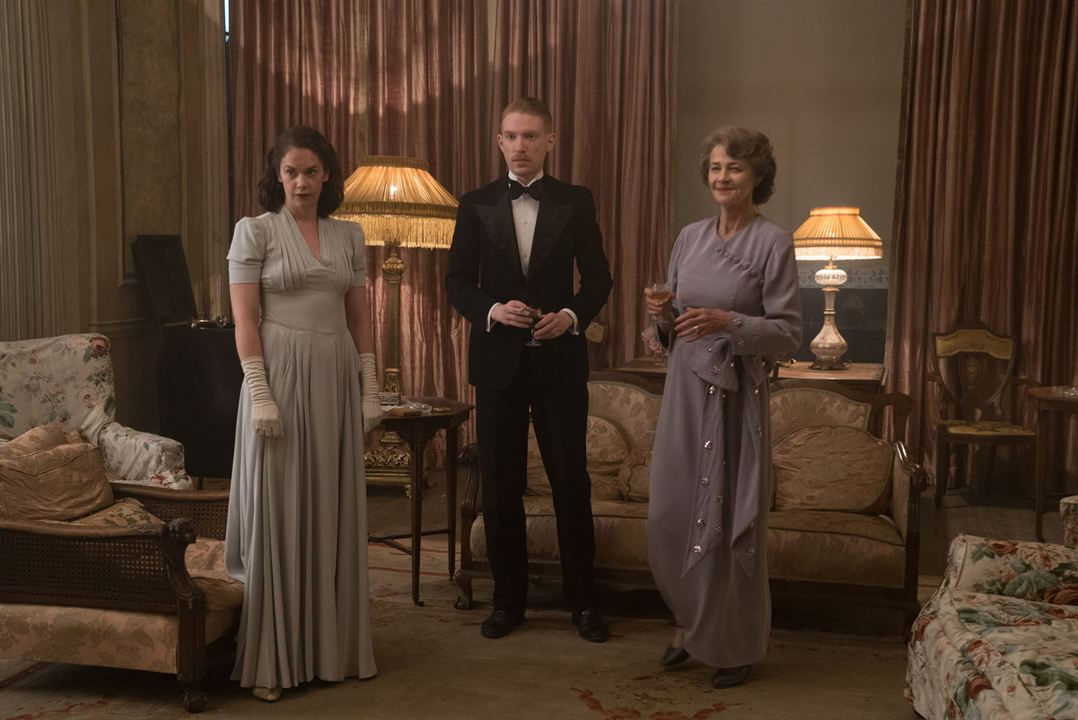 The Little Stranger : Photo Charlotte Rampling, Domhnall Gleeson, Ruth Wilson
