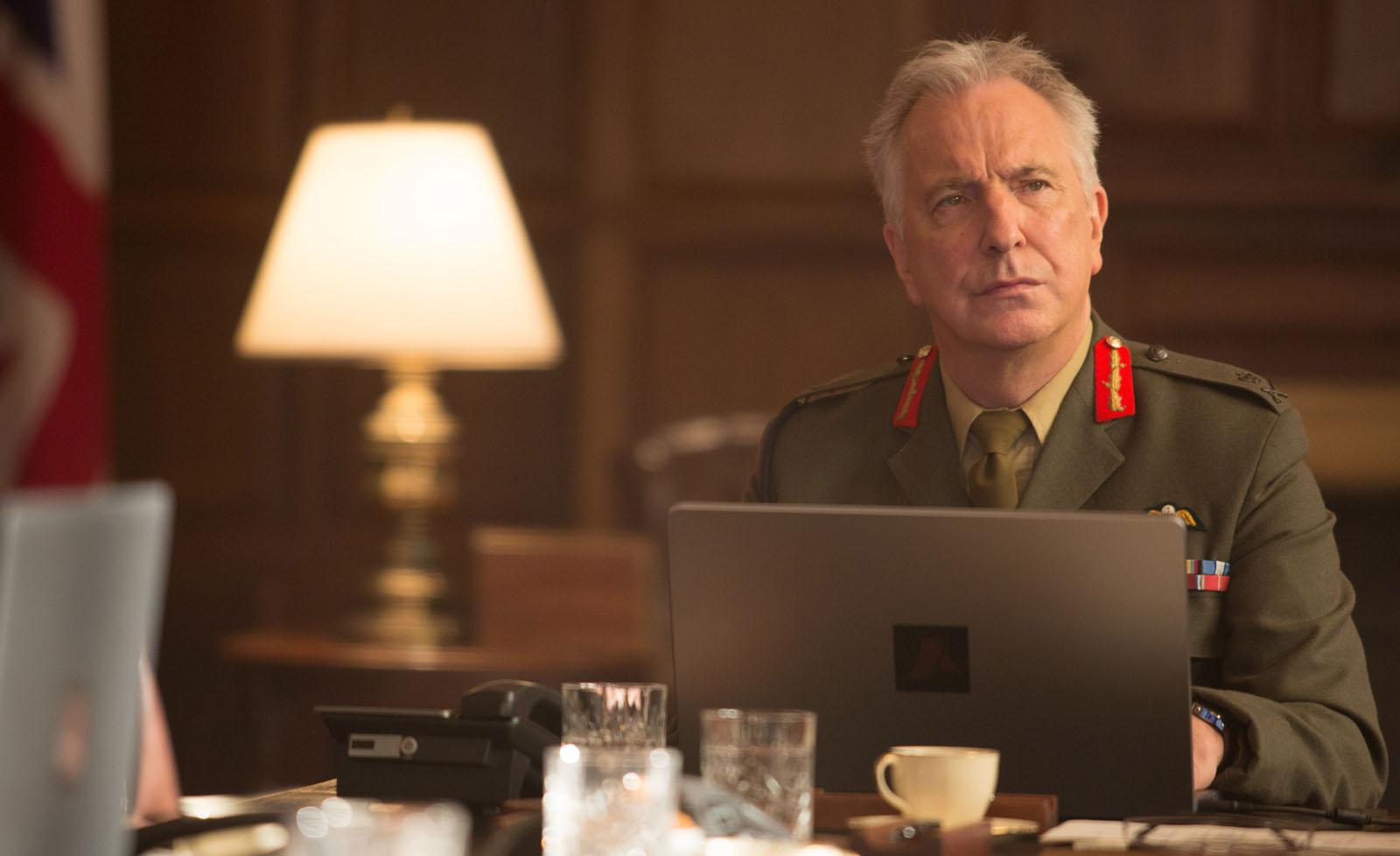 Général Frank Benson (Alan Rickman)