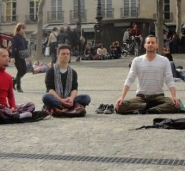Wake Up Paris flashmob