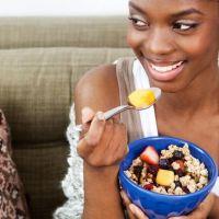 Avoir un beau mari incite les femmes à moins manger