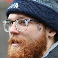 Le tatouage sur le visage, autrefois une rareté, aujourd'hui une mode