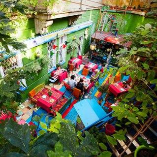ff_prag_restaurant_lukalu_innenhof
