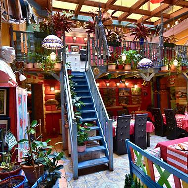 ff_prag_restaurant_lukalu_treppe nach oben