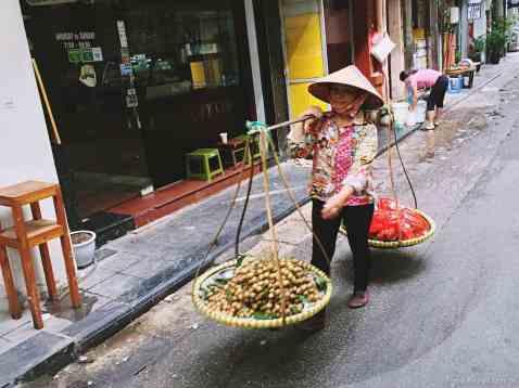 Wietnam jedzenie na ulicach Hanoi-033