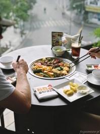 Wietnam jedzenie na ulicach Hanoi 050