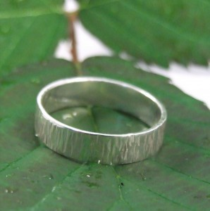 5mm bark ring on leaf 2