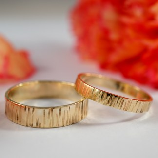 yellow gold bark ring set 4