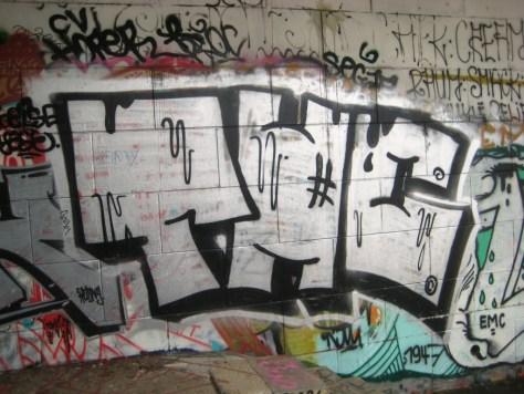 besancon 23.24-12-12 graffiti THC