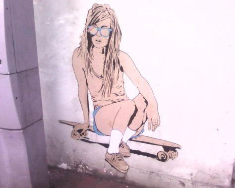 fille sur skate - collage - street art - épinal