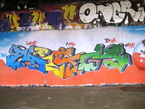 besancon_10.03.13_graffiti_LCG_Surprise (1)