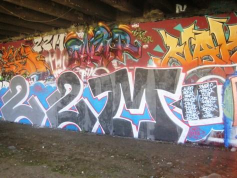 dec 2012 - graffiti 22M - besancon (1)