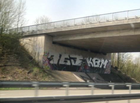 allemagne - graffiti - autoroute - Avril 2013 - 763 KBM