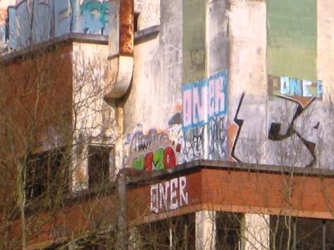 mars 2013 - besancon - rhodia - C4 - graffiti (2)