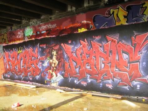 mai 2013_Red_Monica_Graffiti_Nacle_besancon