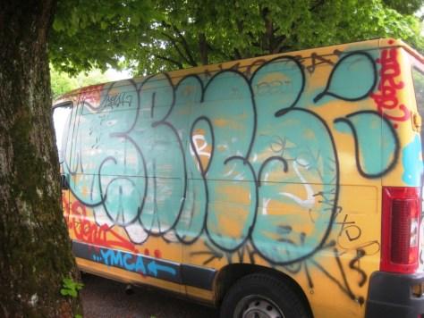 mai 2013_graffiti_camion_besancon (1)