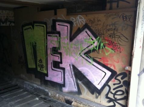 Bruxelles_graffiti_2013_MEK