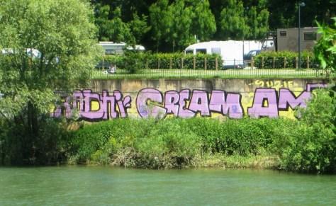 Rodni, Cream, AMer_graffiti_besancon_2013
