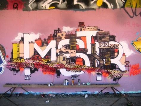 MSTR_graffiti_besancon-sept2013