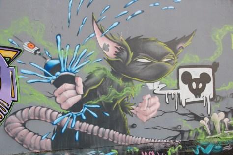 graffiti Dijon - la nuit tous les rats sont gris izi (3)