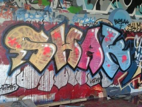 shak graffiti besak 2013 arènes