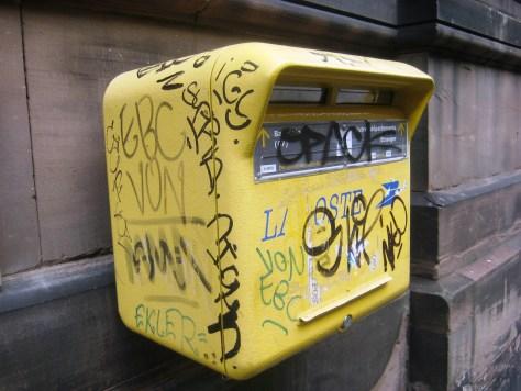 strasbourg 02.03.14 boite aux lettre - tag - sticker - pochoir (3)