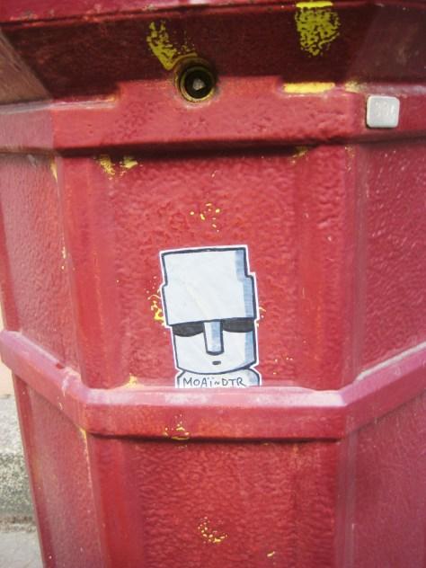 strasbourg 02.03.14 sticker - MOAÏ (2)
