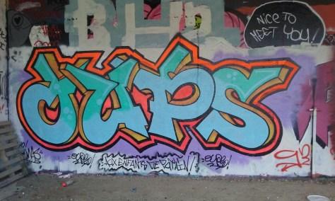 octobre 2015 besancon graffiti OUPS