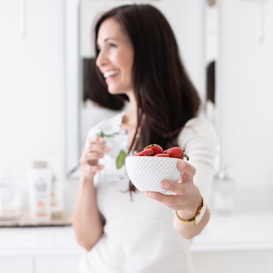 A dietitian's top foods to eat for healthy hair.