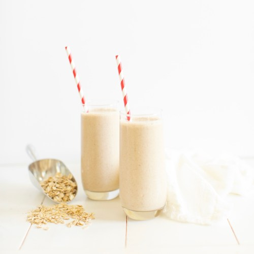 Cinnamon Roll Smoothie (vegan & GF)