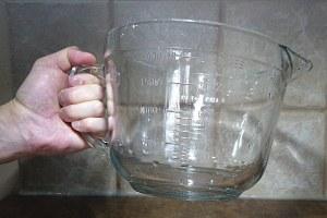 2L measuring cup