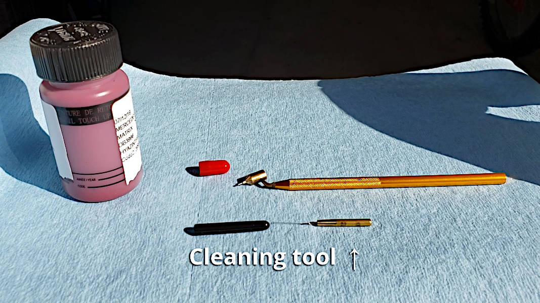 Loew-Cornell Fine Line painting pen with cleaning tool