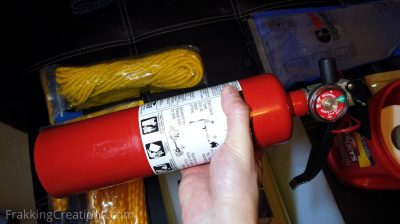 Fire extinguisher for car emergency kit