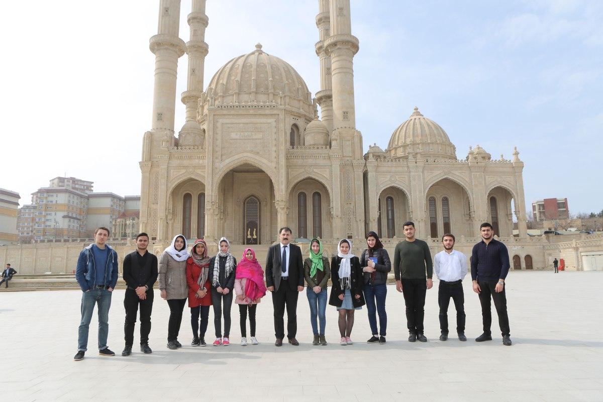 İlahiyyat İnstitutunun bir qrup tələbəsi Heydər məscidini ziyarət edib