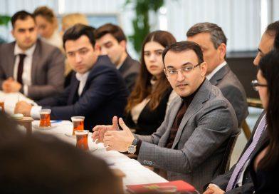 """Dövlət Agentliyinin sədri """"GəncLİK"""" proqramının iştirakçıları ilə görüşüb"""