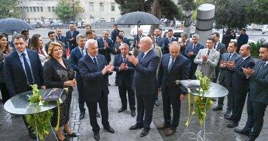 Vahid Ələkbərov Yelo Bankın yeni baş ofisinin açılışında iştirak edib