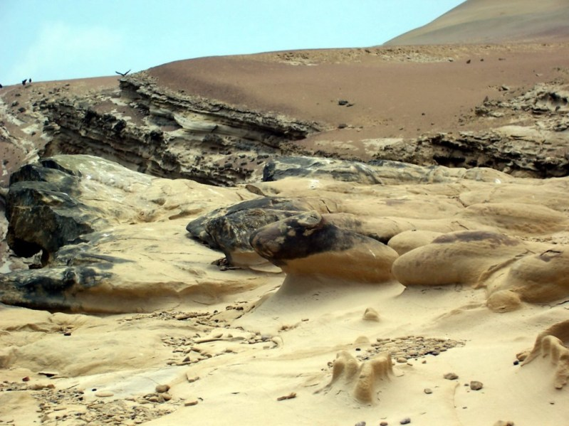 Sand formations on cliffs - National Reserve of Paracas - Peru