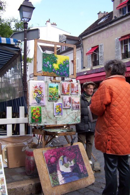 Place de Tertres - painters selling art - Montmartre - Paris
