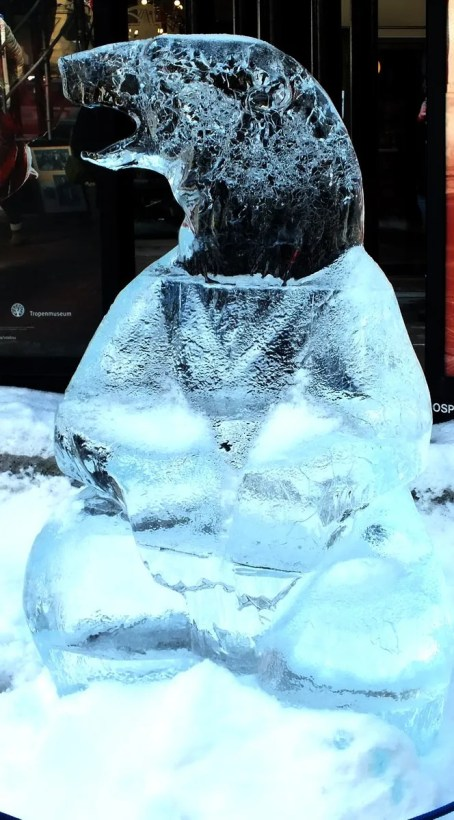 Ice sculptured Polar Bear 2 - Winterlude - Ottawa