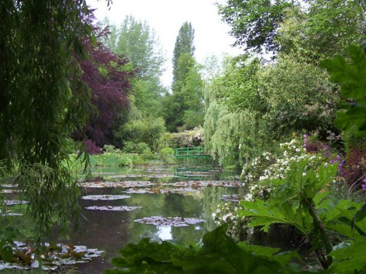 An image of Claude Monet's Water Lily Pond in Giverny, France. Photography by Frame To Frame - Bob and Jean.