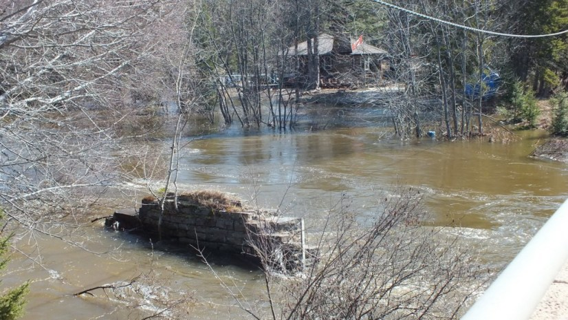 Big East River flood zone - Huntsville, Ontario - April 21 2013