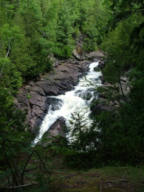 ragged falls in the summertime