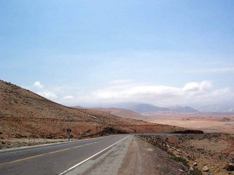 pan american highway - near arequipa - peru - frame to frame