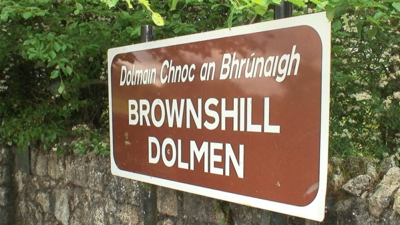 An image of the Brownshill Dolmen direction sign in County Carlow in Ireland. Photography by Frame To Frame - Bob and Jean.