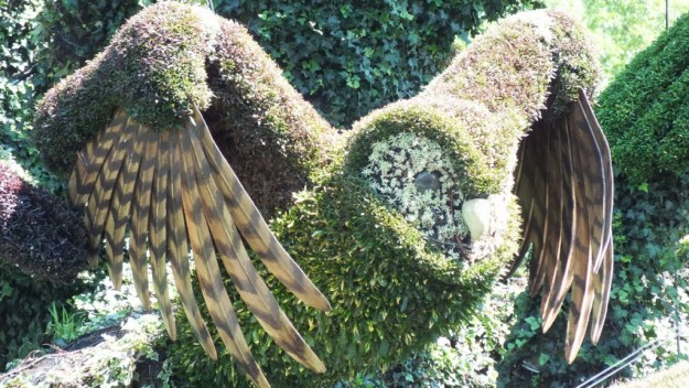 Tree of Birds (owl) - Mosaiculture - Montreal Botancial Gardens