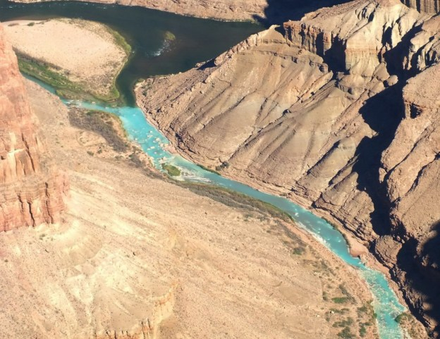 turquoise-little-colorada-river-grand-canyon-19