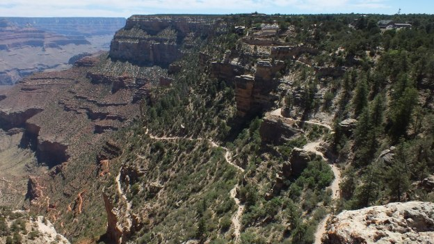 switchbacks on bright angel trail 6